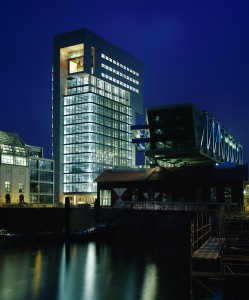 004 Dock im Medienhafen, Düsseldorf